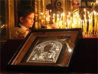 С молитвой к святому