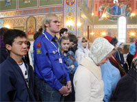 Молящиеся на службе