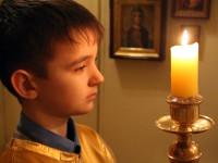 Пономарь со свечой