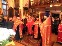 Святые новомученики и исповедники молите Бога, о нас