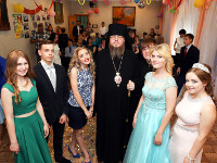 Выпукной вечер в школе в честь прп. Сергия Радонежского