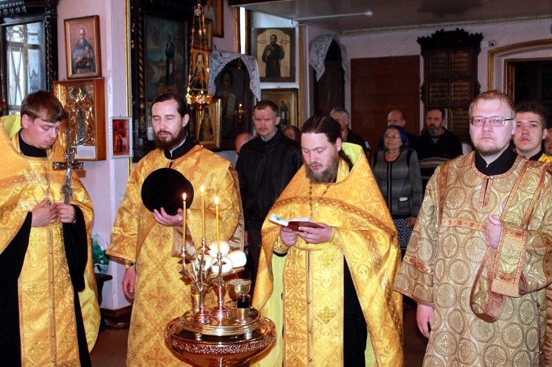 Престольный праздник в храме Всех Святых