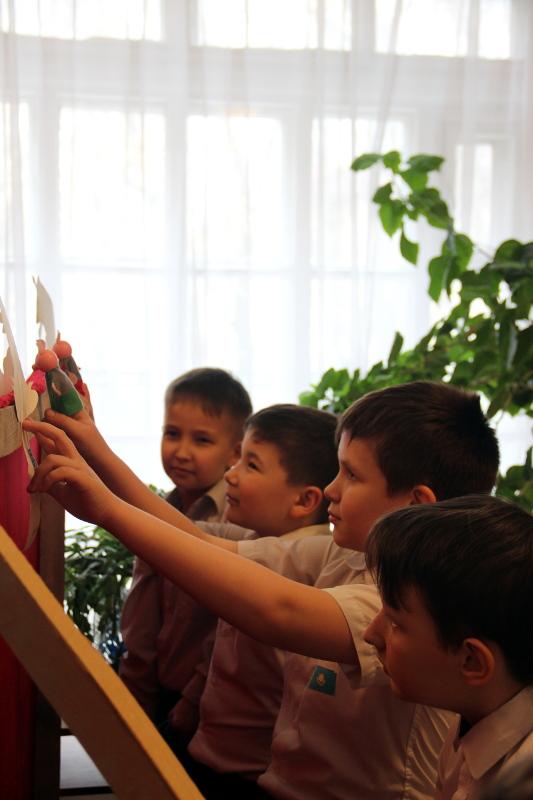 Премьера спектакля школьного театра кукол