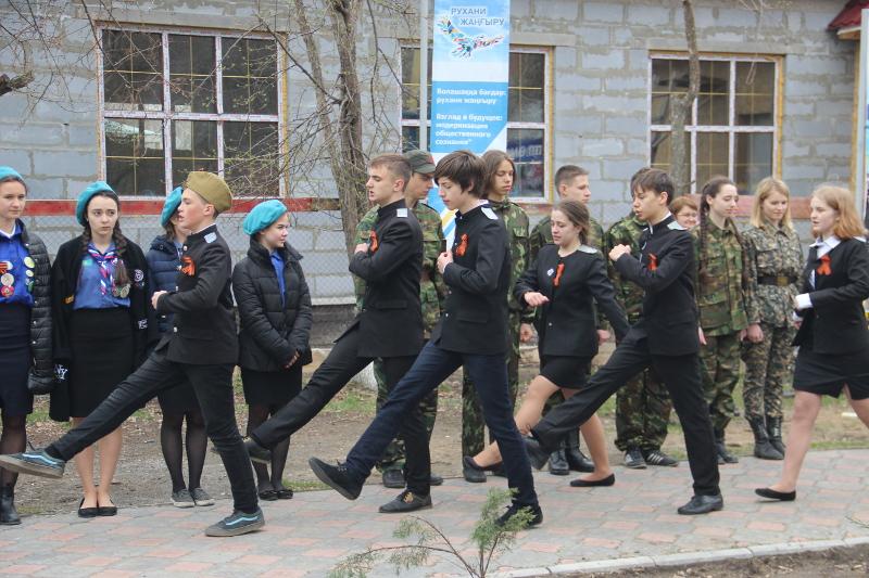 «Смотр строя и песни» в школе в честь прп.Сергия Радонежского