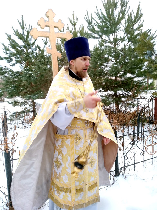 В день Архистратига Михаила и прочих бесплотных Небесных Сил в селе Архангельское состоялся престольный праздник и праздничная Божественная Литургия