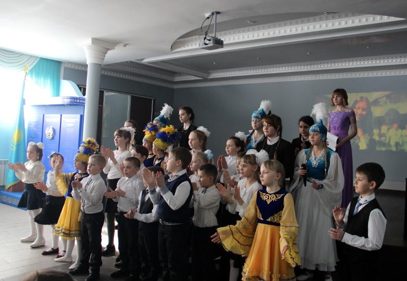 Праздник Наурыз Мейрамы в школе в честь прп. Сергия Радонежского