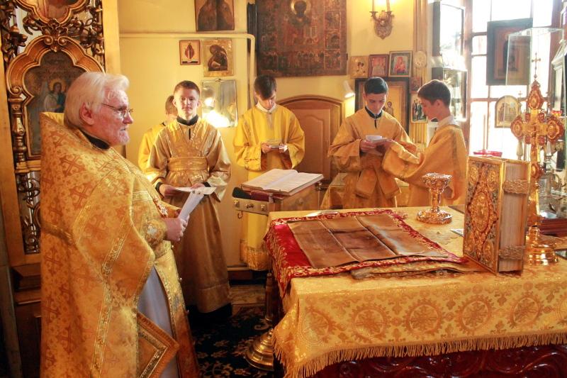 12 июля 2020 года — праздник святых славных и всехвальных первоверховных апостолов Петра и Павла
