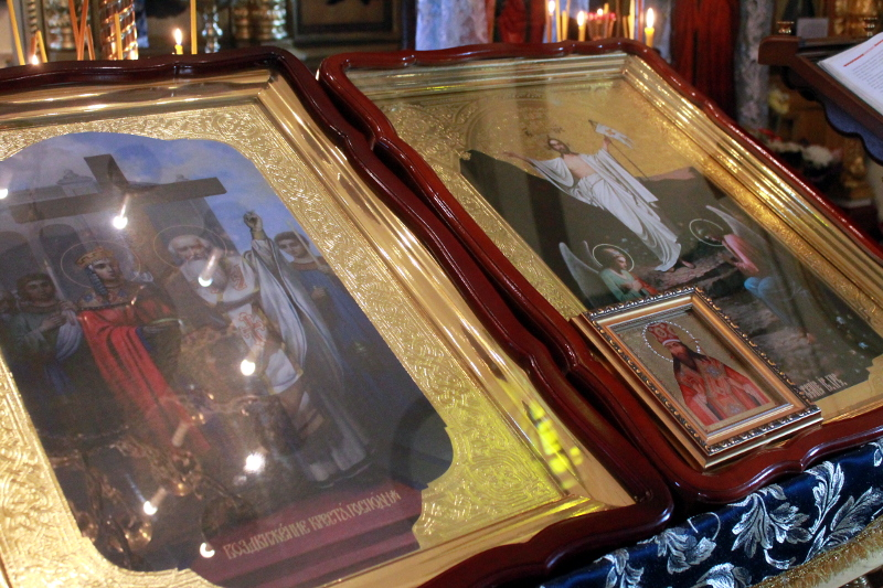 Божественная Литургия в день Отдания праздника Воздвижения Животворящего Креста Господня