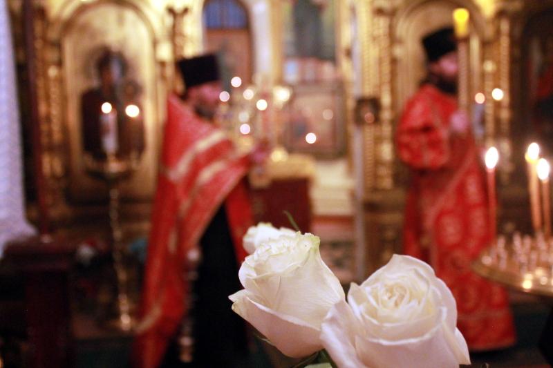 8 ноября церковь отмечает праздник святого великомученика Димитрия Солунского мироточивого чудотворца