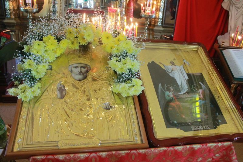 22 мая — празднование в память перенесения мощей святителя Николая из Мир Ликийских в город Бари