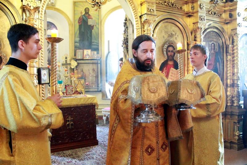 Божественная Литургия в 5-ую Неделю по Пятидесятнице